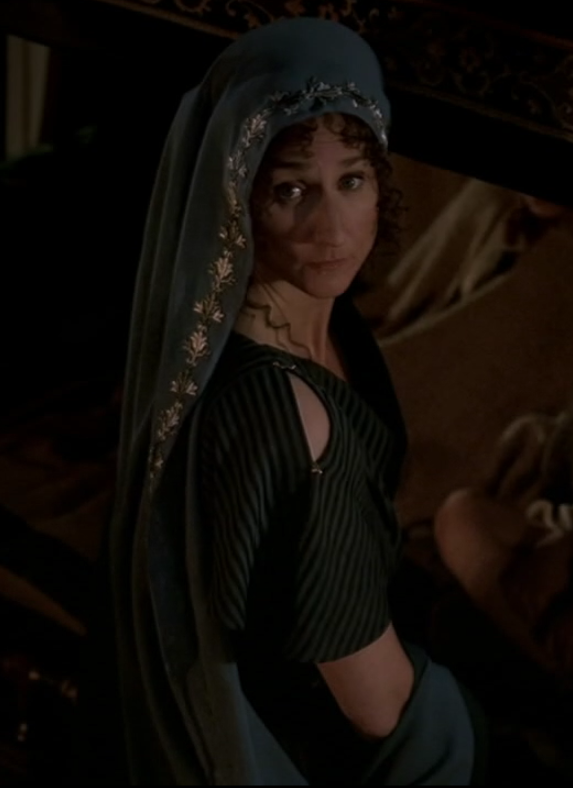 Pompey's wife, in a really pretty blue/gray veil thing with intricate metallic thread